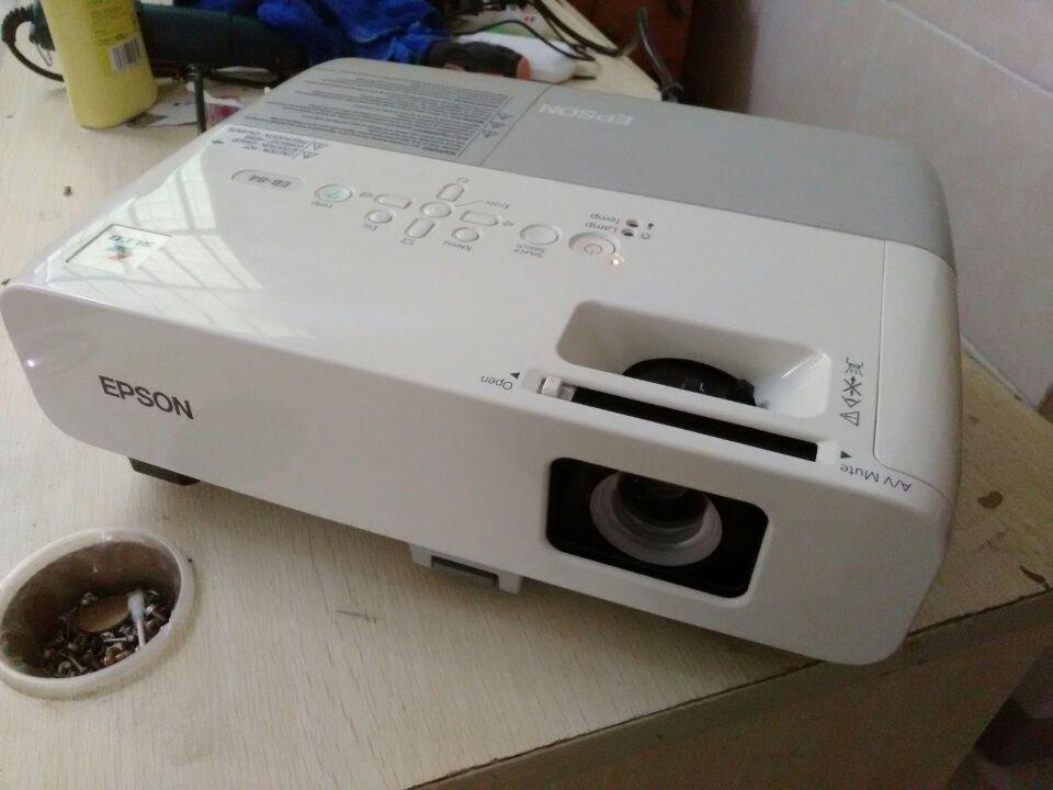 二手投影机1080P商务办公3d高清家用投影仪2600流明爱普生84