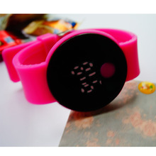 The winning watches wholesale round LED button a couple watches male and female students in South Korea fashion watches package mail