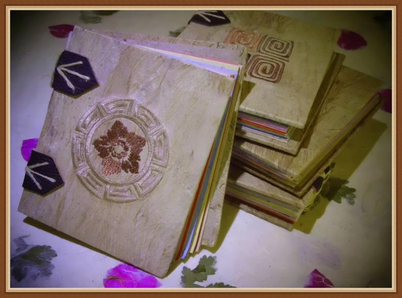 Вышитые прямые перья(Номер 3) популярный / Лицзян-Донгба Бумажная площадь Чистая ручная работа Нация не торгуется не включает в себя почтовый