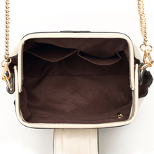 The new 2015 oil wax cowhide bag shoulder inclined shoulder bag shell restoring ancient ways the doctor bag chain mini leather handbag