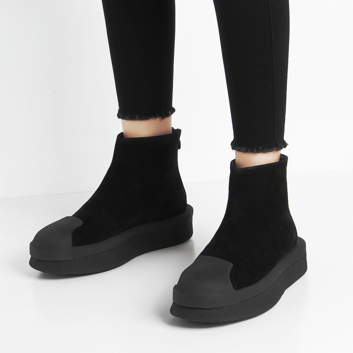 春秋百搭新品贝壳头松糕靴厚底黑白短靴欧美磨砂牛皮后拉链女靴子