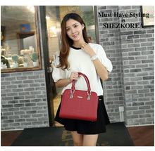 In the summer of 2015 new tide in Europe and the female bag new fashion lady big bag portable oblique satchel crocodile grain one shoulder