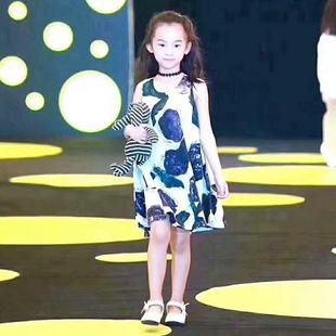 小江南2020夏装新款无袖手绘连衣裙