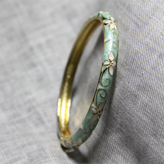 Пекин виды и пейзажи место подлинный перегородчатой браслет женщина хорошо мода цвет глазурь овальный чтобы жить весна клевер