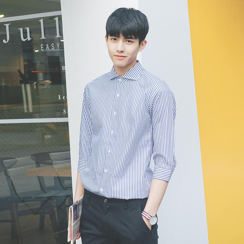 Summer new Korean slim fit mens stripe half sleeve shirt 7 / 7 sleeve shirt medium sleeve thin inch shirt mens fashion