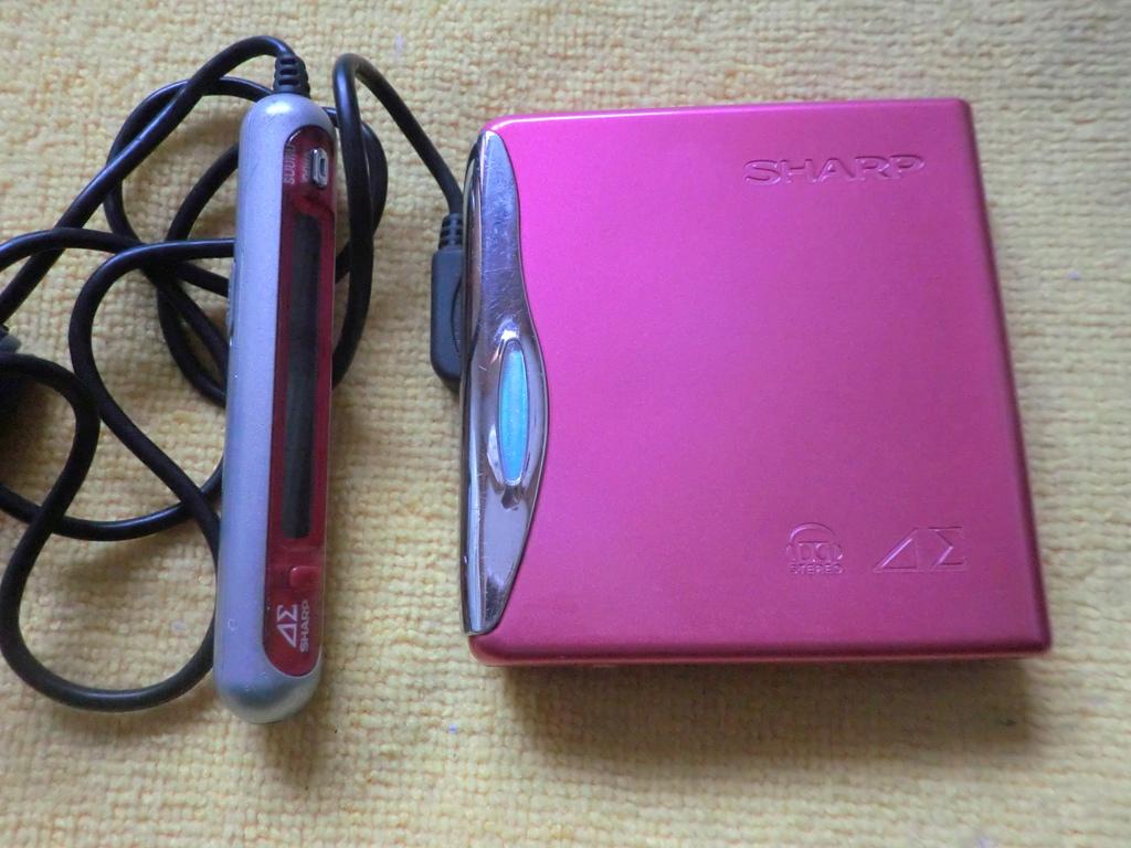 Япония покупка возвращение лето генерал Sharp MD-DS55 классическая MD портативный слушать , розовый 9 новый , оригинал провод