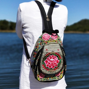 2021新款云南民族风包包绣花包女士双肩包学生背包刺绣帆布复古包
