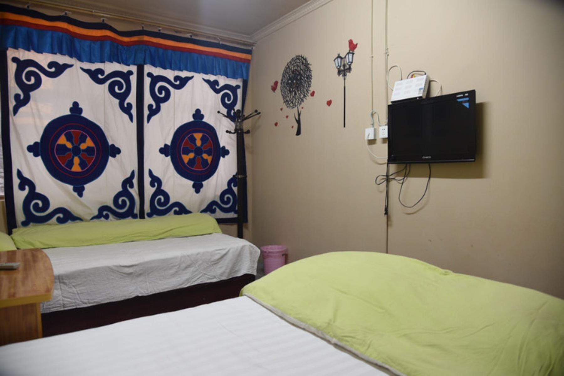 拉萨仙仙雅舍民宿8舒适双床房