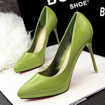 And the wind are fine with simple OL occupation shallow mouth pointed high-heeled shoes waterproof sexy slim's main photo