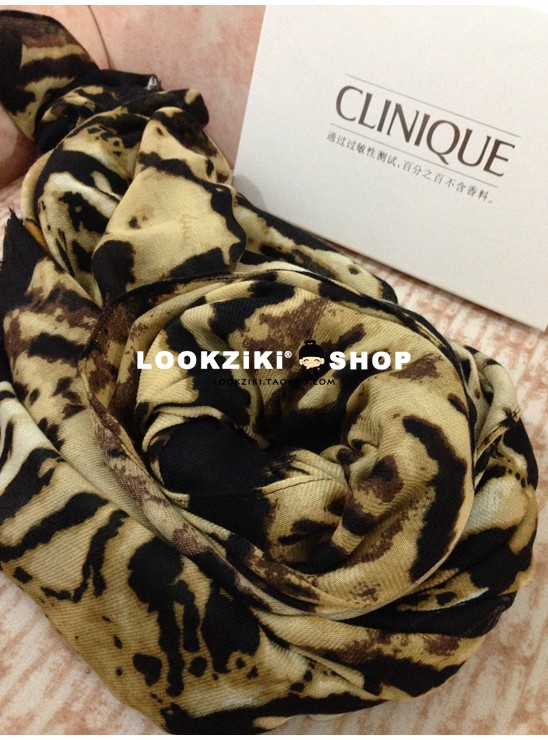 Italian temperament cut order exported to South Korea cotton linen leopard scarf European and American style tiger pattern oversized shawl female