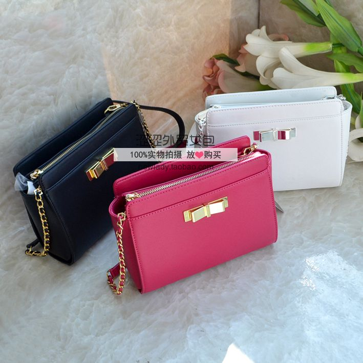 b27bfebb8 Charles & amp; amp; Keith chain Bow Shoulder Messenger bag authentic female  bag small. Loading zoom