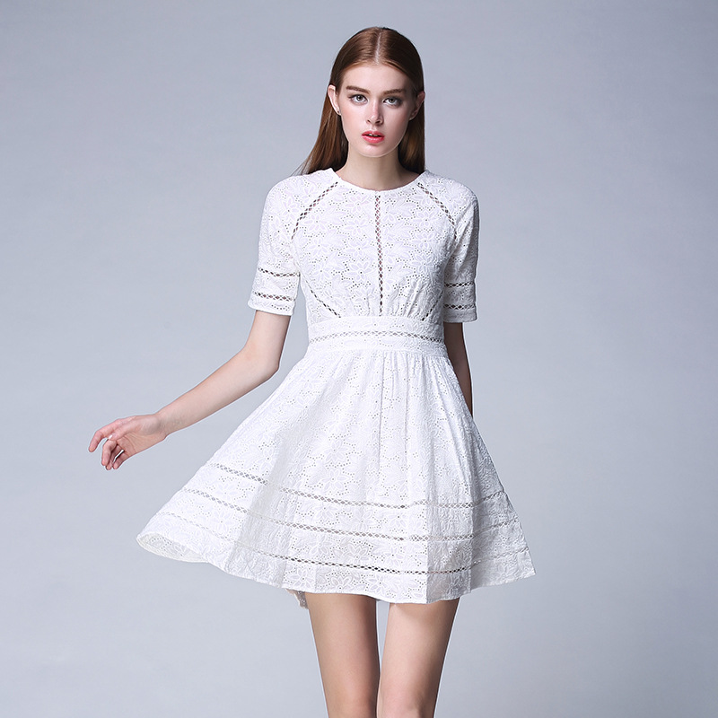2015 summer new cut out lace dress short sleeve vest skirt medium length ol white one-step dress with buttocks