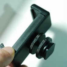Hot shoe clip battery clip SLR hot boots extension fixed bracket is convenient