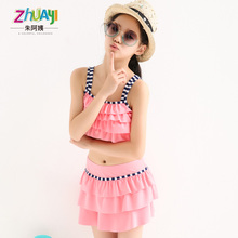 The new summer 2015 fission of the girls lace baby bathing suit south Korean children swimwear bikini, a lovely girl