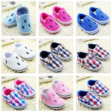 Europe and the former single toddler canvas shoes 0 and 1 year old soft bottom anti-slip baby shoes The four seasons cartoon small children's shoes