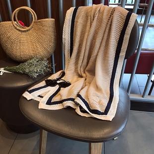 秋冬季围巾女新款韩范压褶弹力两用防晒棉麻披肩度假旅游沙滩巾纱