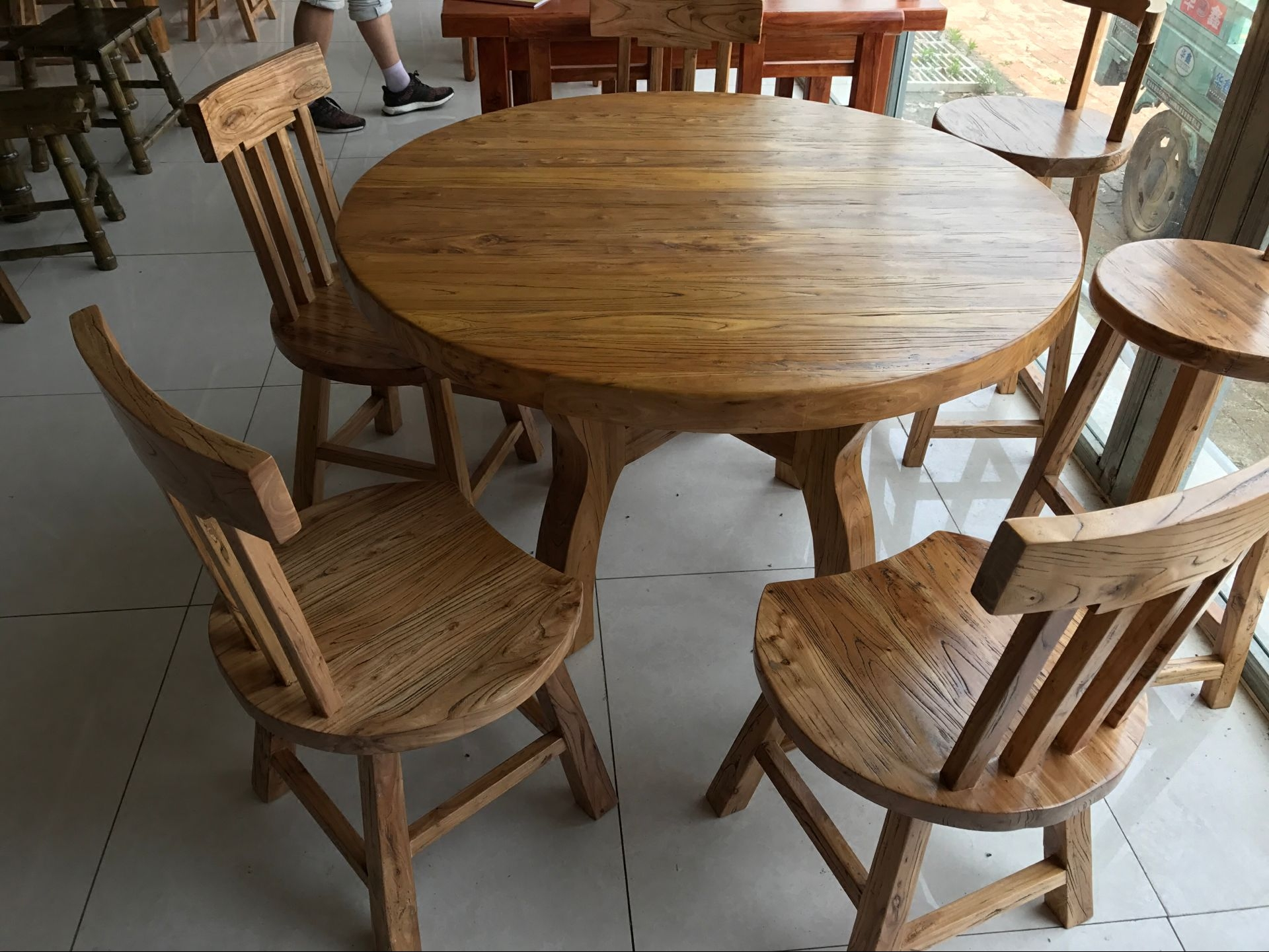 Special price solid wood dining table Korean furniture large and medium sized round table dining chair old elm Hotel tea house dining table