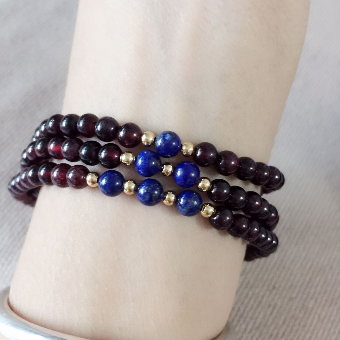 Special wine red pomegranate with golden pearl lapis lazuli 3-ring Bracelet