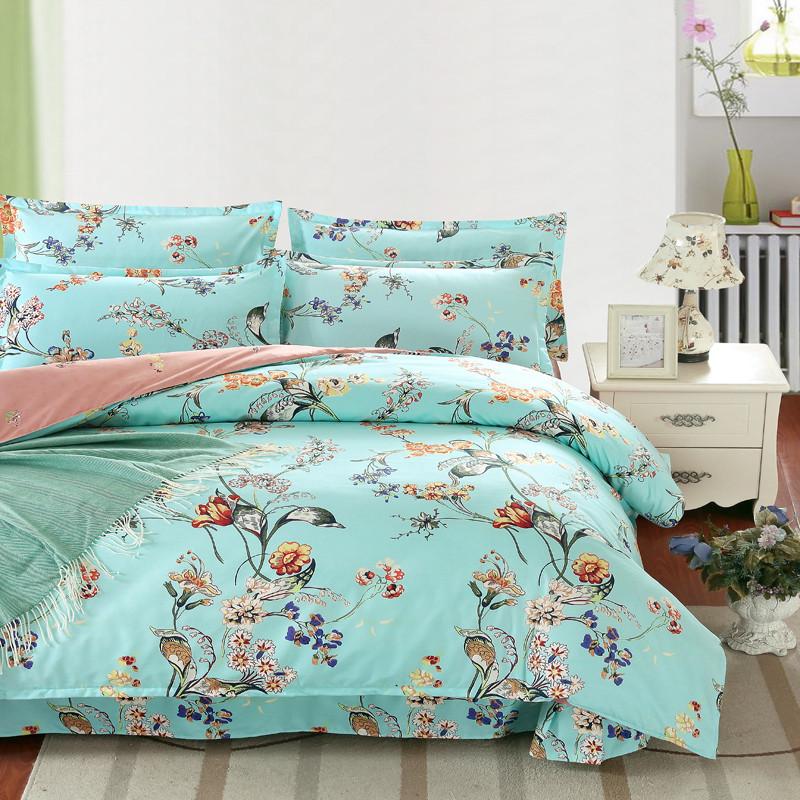 Комплект постельного белья, размер и расцветка на выбор