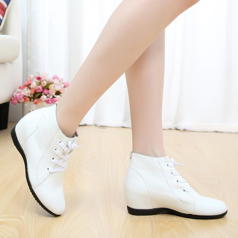 Leather casual womens shoes in spring and summer with single lace up, round head, middle heel and high top, white womens shoes with soft soles