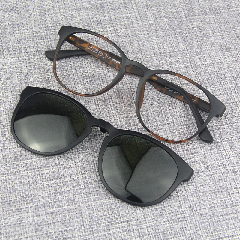 Mens and womens small round frame leopard pattern magnetic suction cover glasses, myopia polarized sunglasses, ultra light retro plastic steel spectacle frame