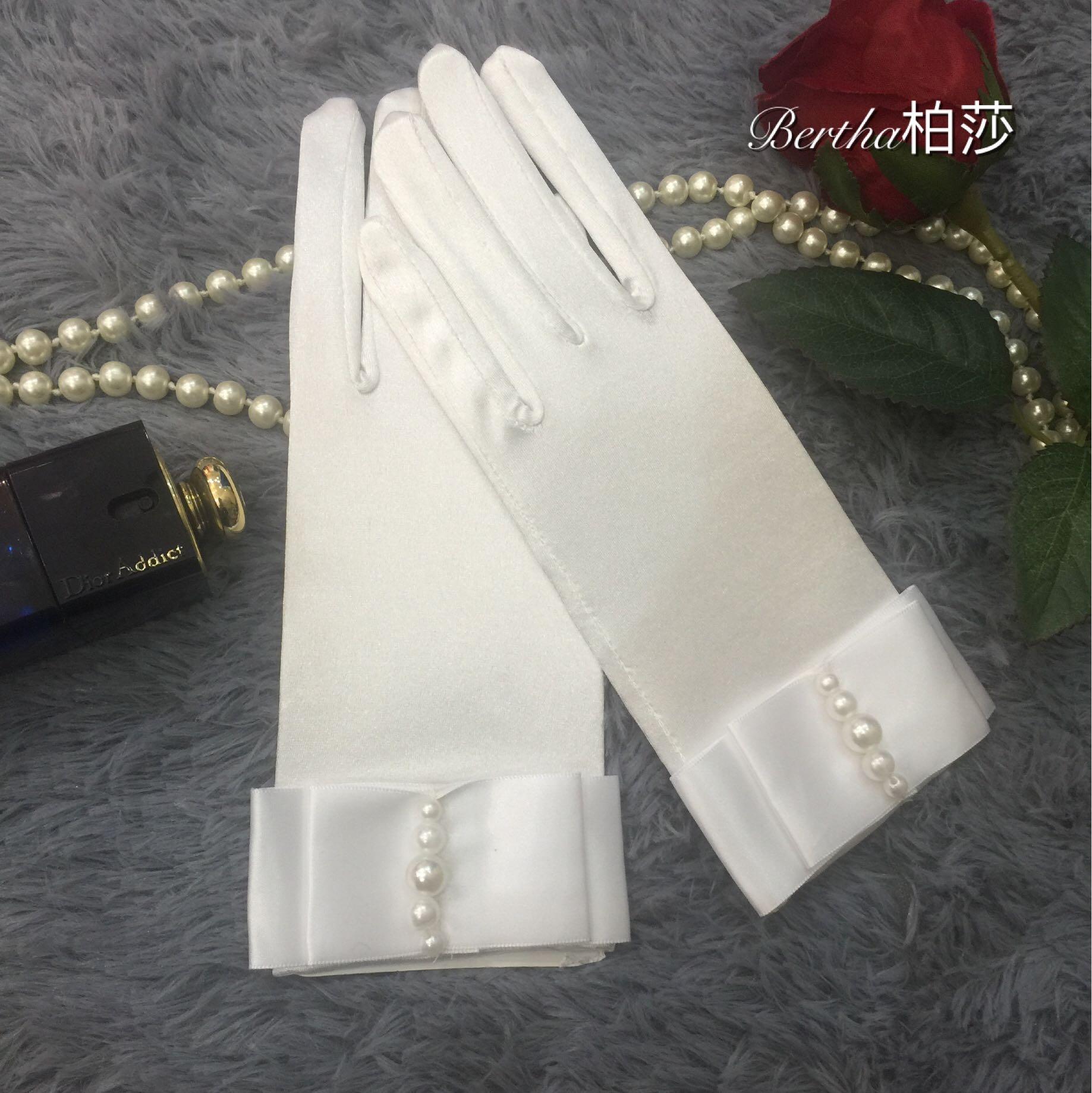 Bertha невеста кованое поверхность жемчужина хепберн ветер ретро перчатки краткое модель свадьба перчатки бесплатная доставка