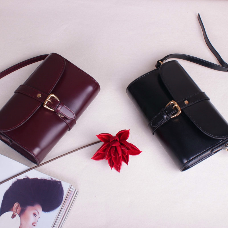 Korean New Womens bag leather top layer leather oil wax leather single shoulder straddle womens small bag