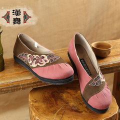Chinese dance authentic layers of old Beijing flat-bottom shoes embroidered shoes at the end of circular head national wind shoes women autumn flower fly Butterfly dance