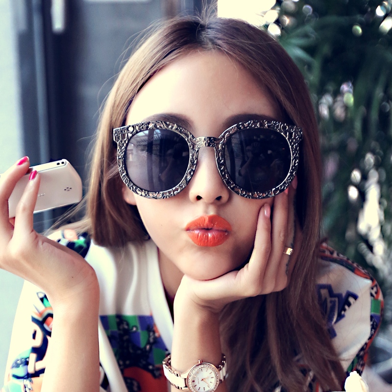 cbdec2d483 E11 reflective metal hollow frame influx of male European and American retro  sunglasses UV sunglasses ladies. Loading zoom