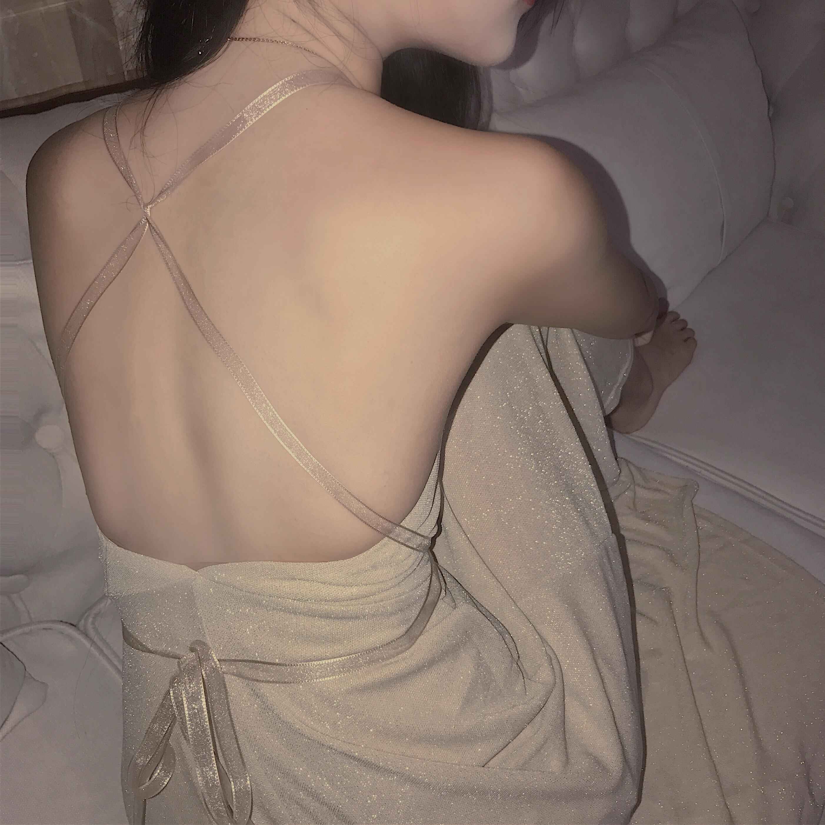 韩风Chic气质女神度假风露背闪闪修身吊带连衣裙大摆长裙