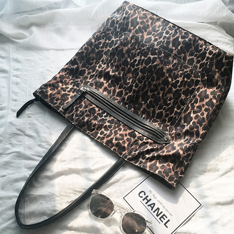 欧美休闲头层牛皮真皮大容量单肩包豹纹女包防水布购物袋旅行包