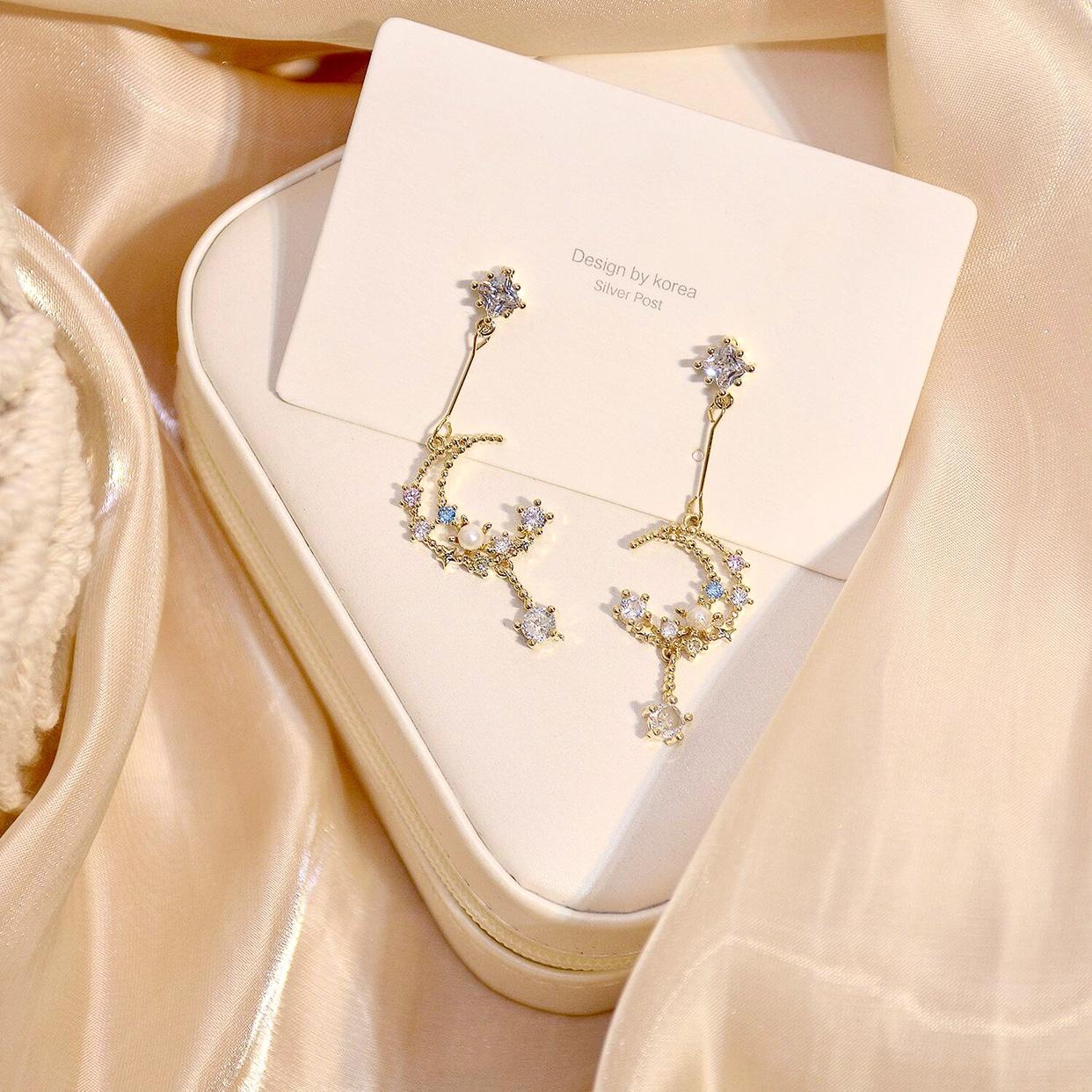 韓国s 925銀の針の小さい嵌合のジルコニアの石のきらきらと光る石の真珠の月のしずくの長い項の洛麗塔のイヤリングのイヤリング