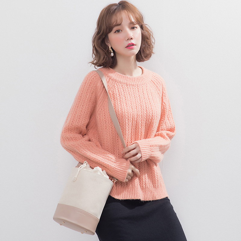 Autumn and winter new languid Pullover crew neck sweater womens warm and loose thick wool knitted bottoming shirt