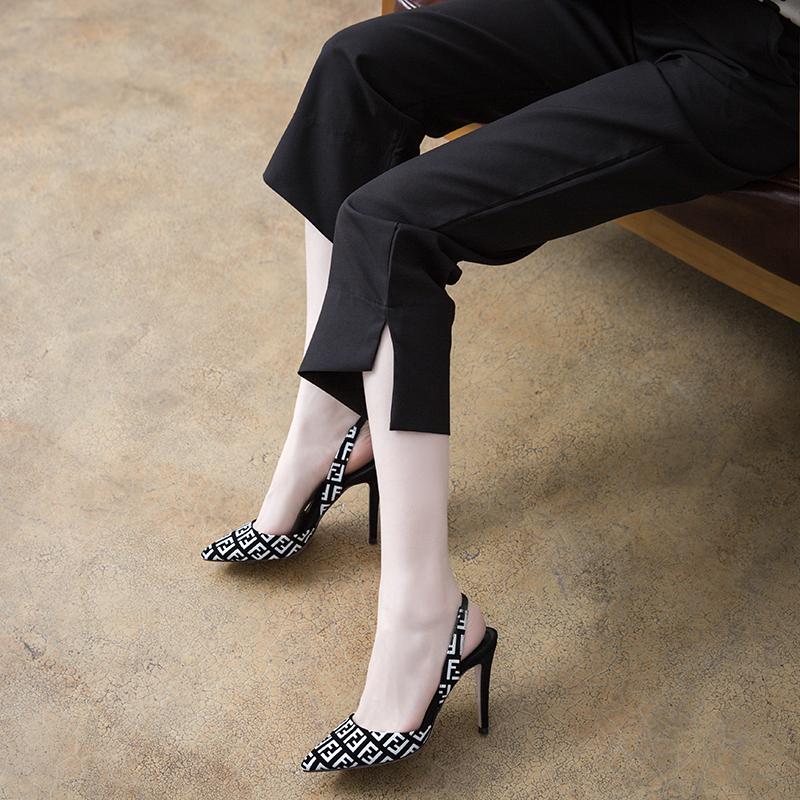 春夏季2020韩版新款字母包头后空细高跟百搭女鞋尖头大小码31凉鞋