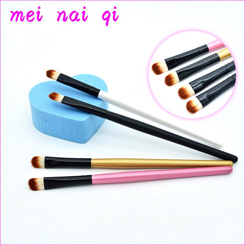 MoneyI manufactures a single eye shadow makeup brush, lip brush, eyebrow brush and blush brush.