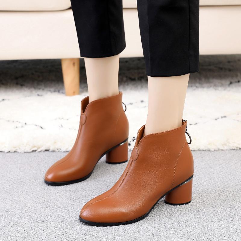2018新款女靴春秋单靴女真皮粗跟裸靴大码41-43短靴中跟秋季靴子