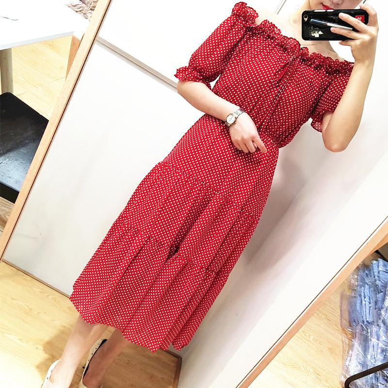 一字领露肩波点点连衣裙2018夏韩版新款性感红色显瘦雪纺中长裙潮