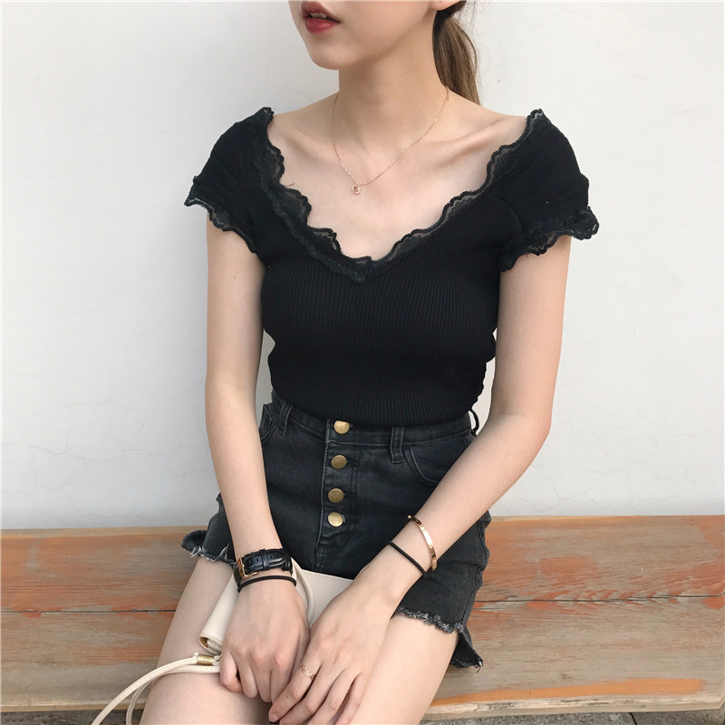 2020 summer new womens Retro lace V-neck off shoulder slim student short sleeve knitted T-shirt