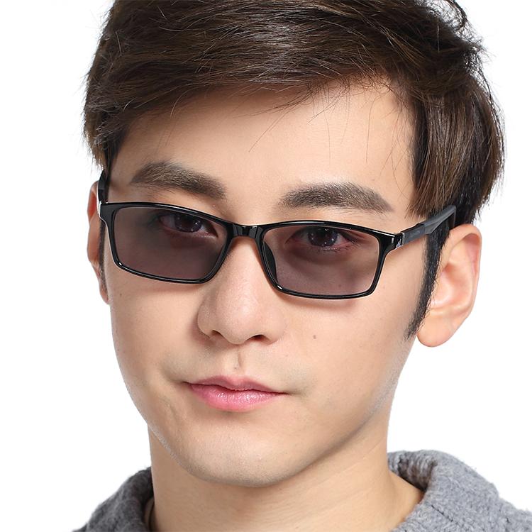 Ultra light color changing glasses mens myopia glasses light changing anti ultraviolet sunglasses sunglasses flat light mens and womens large face black frame