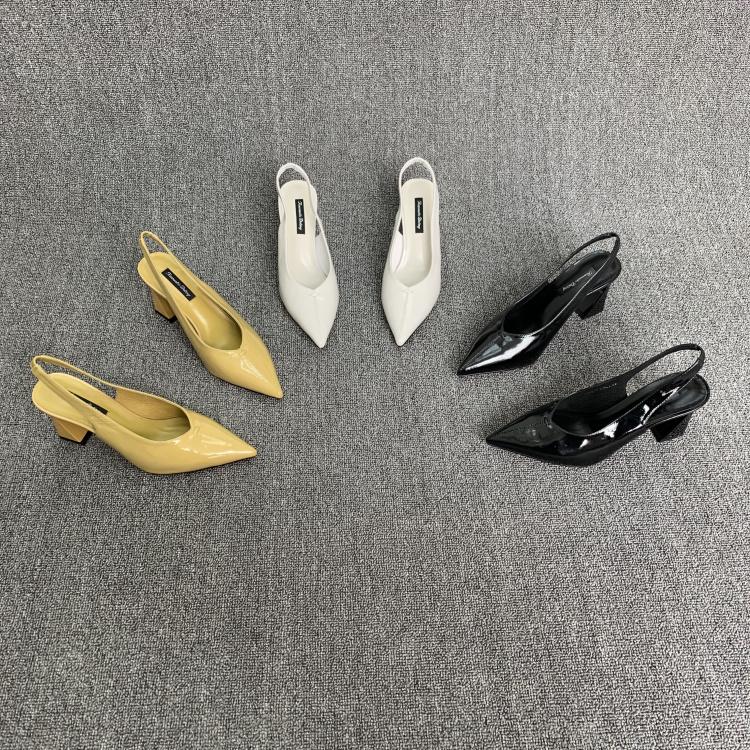 欧洲站女鞋2019春季新款欧货真皮松紧带尖头漆皮粗跟高跟鞋凉鞋潮