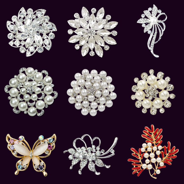 Brooch womens bag post white color Japanese and Korean version Brooch bright diamond pearl pin clothing accessories with office accessories