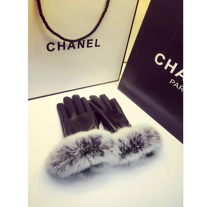 Leather gloves female winter rabbit hair Korean cute plush thickened warm and cold proof students ride a bike with a thin touch screen to drive
