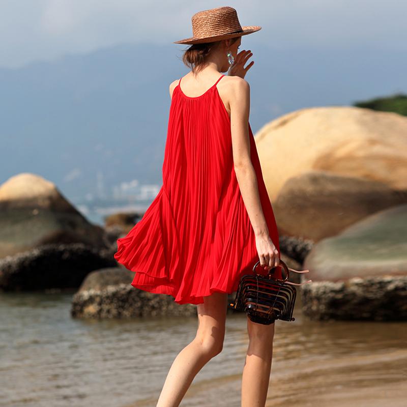 墨颜2019新款海边度假风女装巴厘岛旅拍连衣裙百褶小个子沙滩短裙包邮
