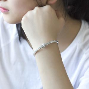 韩版微镶锆石满钻简约细手镯 女镀18k超闪白金小众玫瑰金椭圆手环