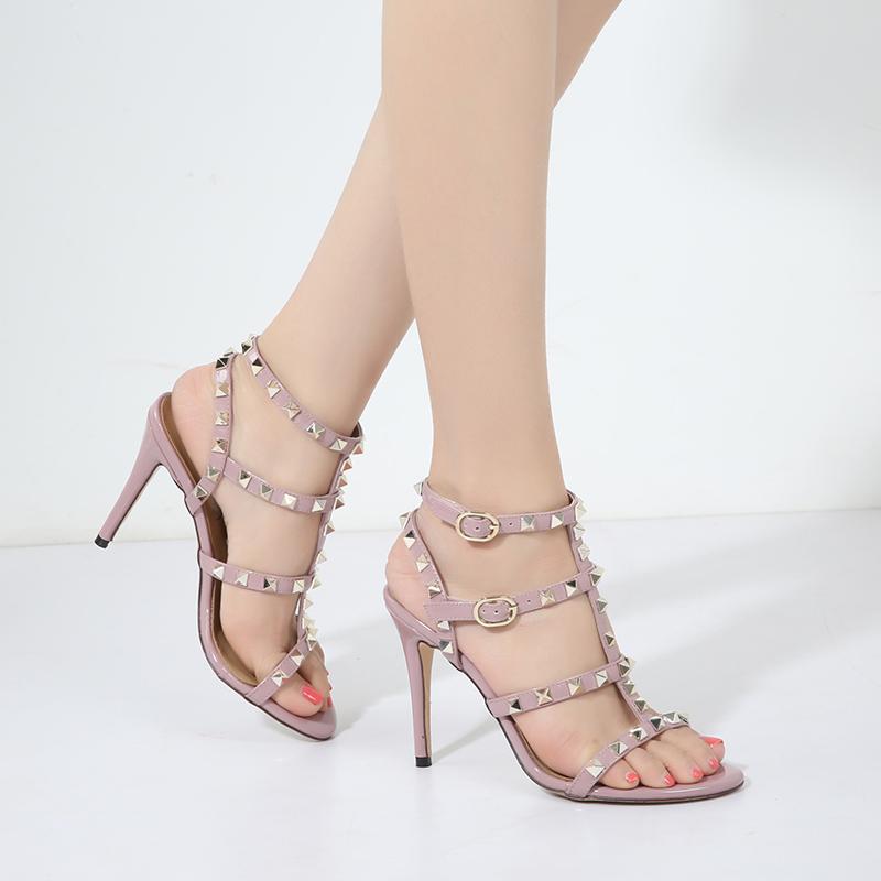 2019春季新品罗马绑带铆钉凉鞋一字扣露趾高跟鞋圆头细跟女鞋