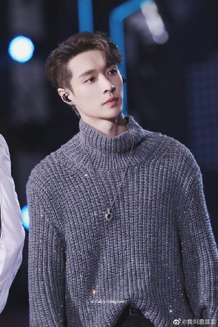 Zhang Yixings same grey turtleneck sweater for women