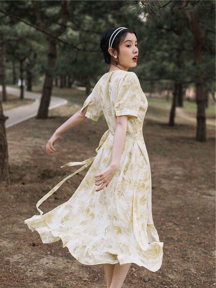 斌斌家维多利亚法式复古裙很仙的法国小众桔梗裙碎花连衣裙女夏季