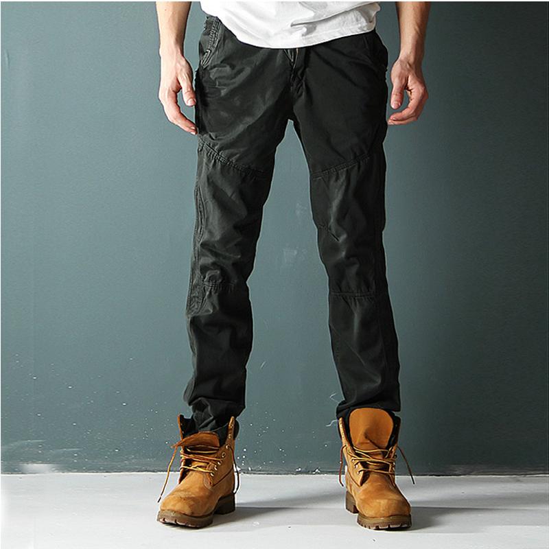 春季のオーバーオールの男性のズボンの男性のまっすぐな筒のゆったりしている多ポケットのズボンの外の湿っているスポーツのレジャーのズボンの大きいサイズ