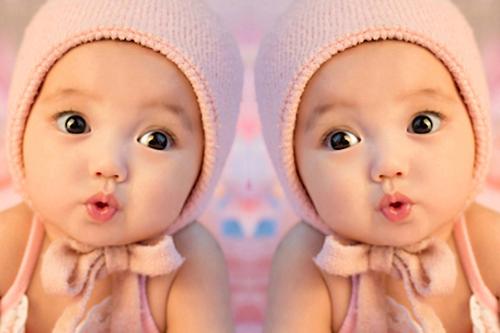 双胞胎宝宝海报婴儿画像画报BB照片可爱漂亮相片孕妇胎教外国孩子 Изображение 1