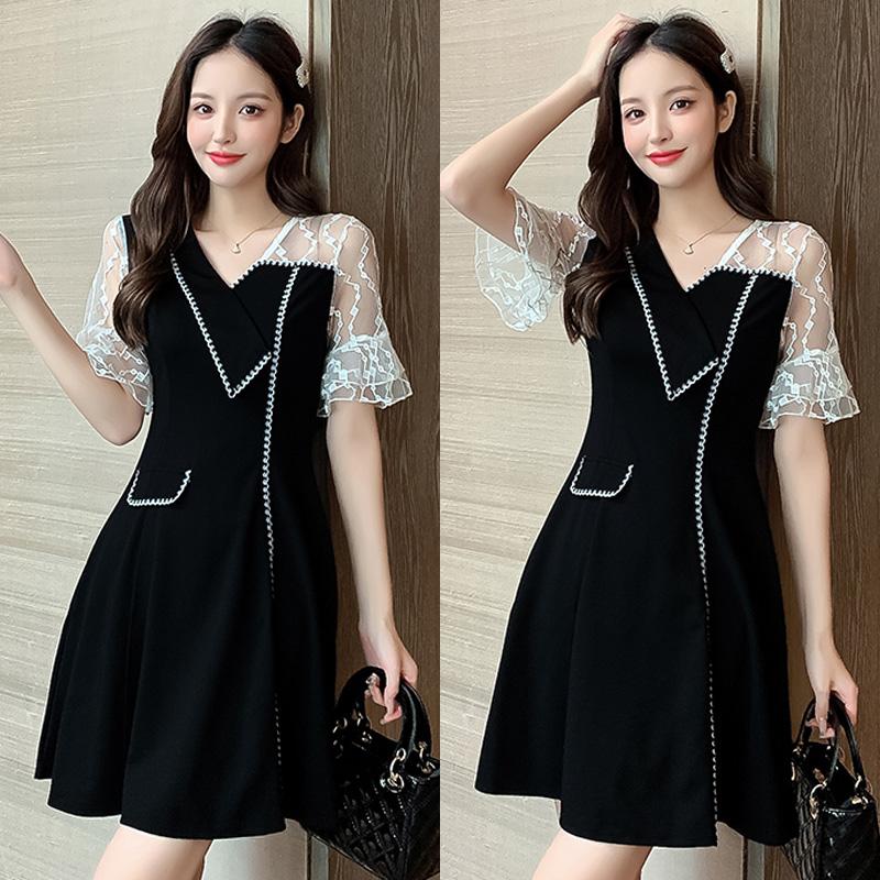 法式设计感小众V领小黑裙小香风收腰显瘦蕾丝拼接连衣裙夏季气质